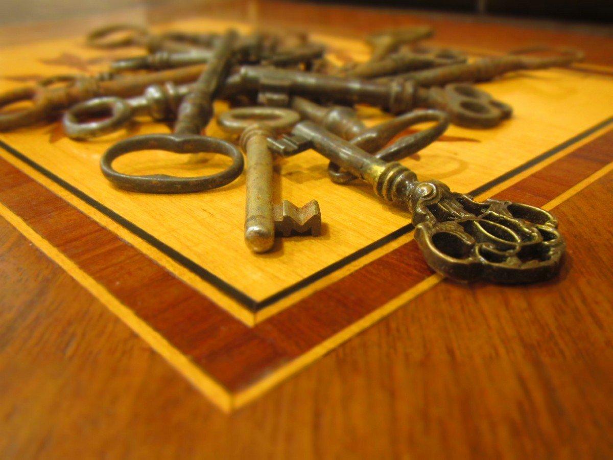 chiavi per mobili antichi